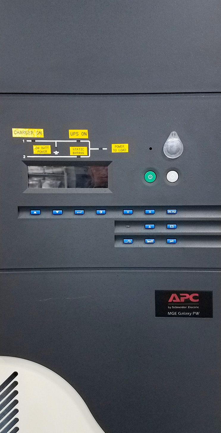 180 kVA APC - MGE UPS with 2 battery cabinets and one MBP
